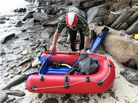 An inflatable raft (floater) for spearfishing. A light weight TPU raft